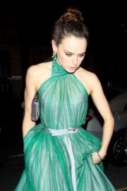 Daisy Ridley Stills Arrives at Her Hotel in London Photos