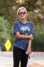 Holly Madison Stills Out Hiking at Old LA Zoo in Los Angeles