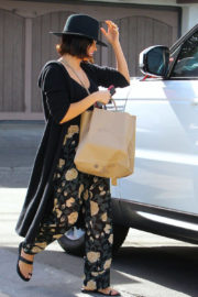 Jenna Dewan in Floral Bottoms Stills Out Shopping in Los Angeles