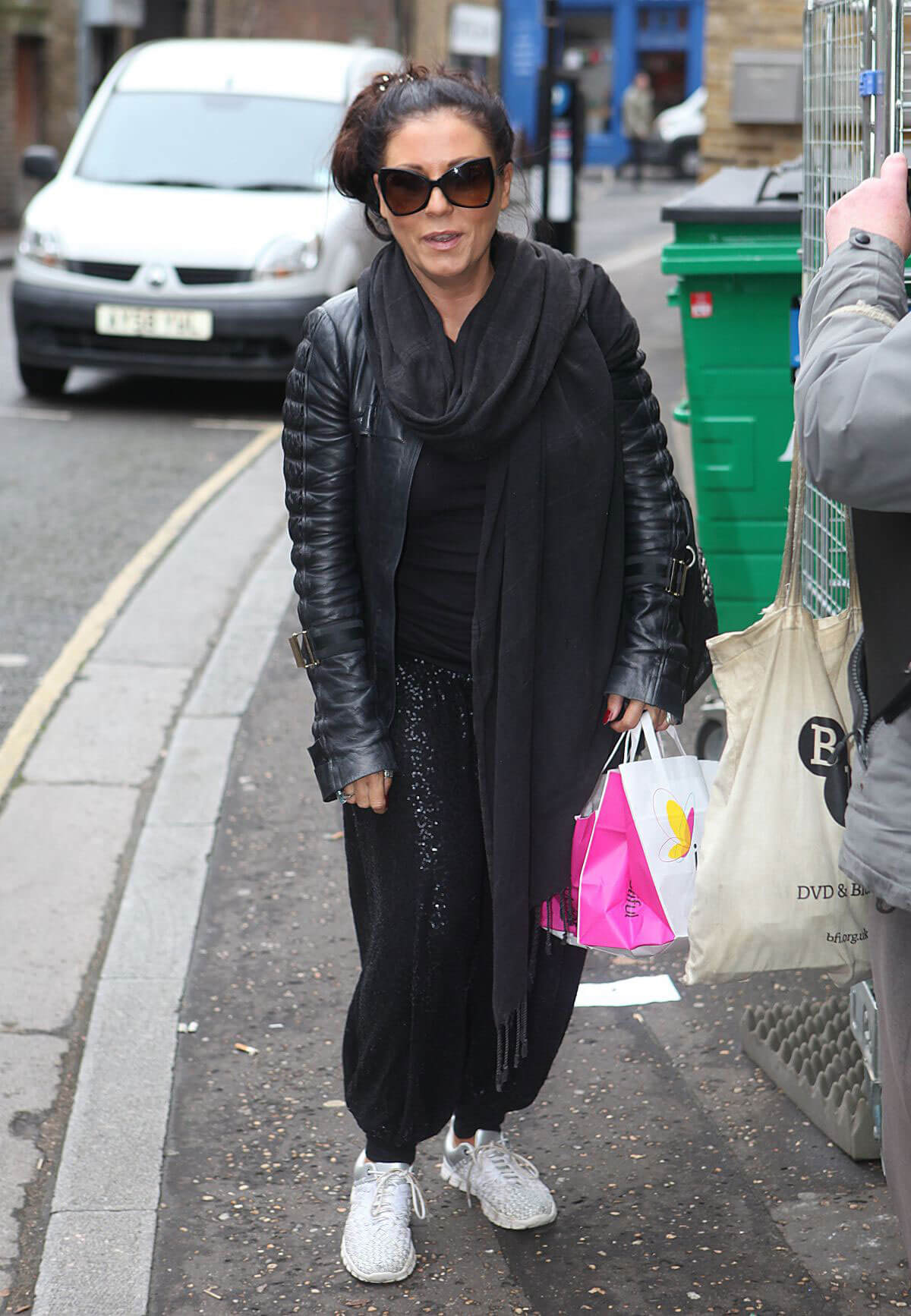 Jessie Wallace Stills Arrives at Richmond Theatre in London