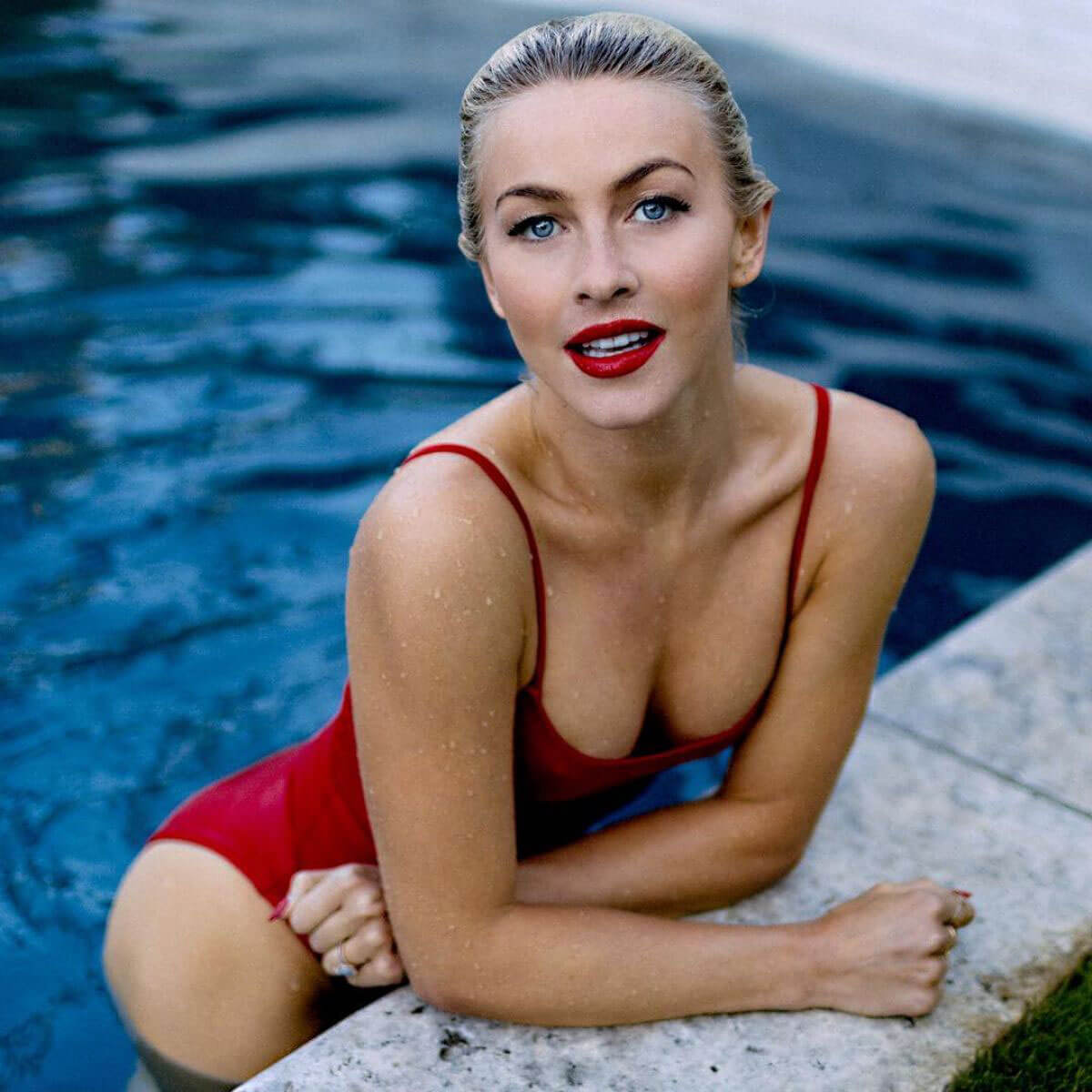 Julianne Hough Stills in Swimsuit at a Pool, 11/10/2017 Instagram Picture