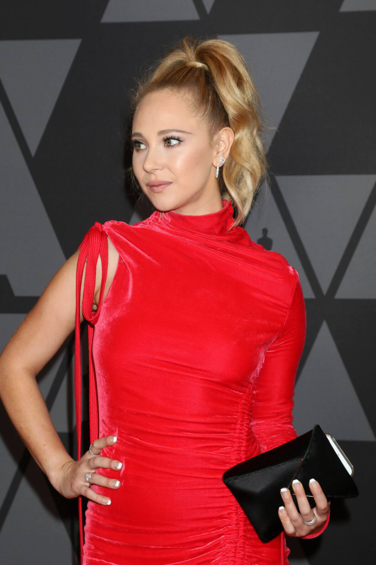 Juno Temple Stills at AMPAS 9th Annual Governors Awards in Hollywood