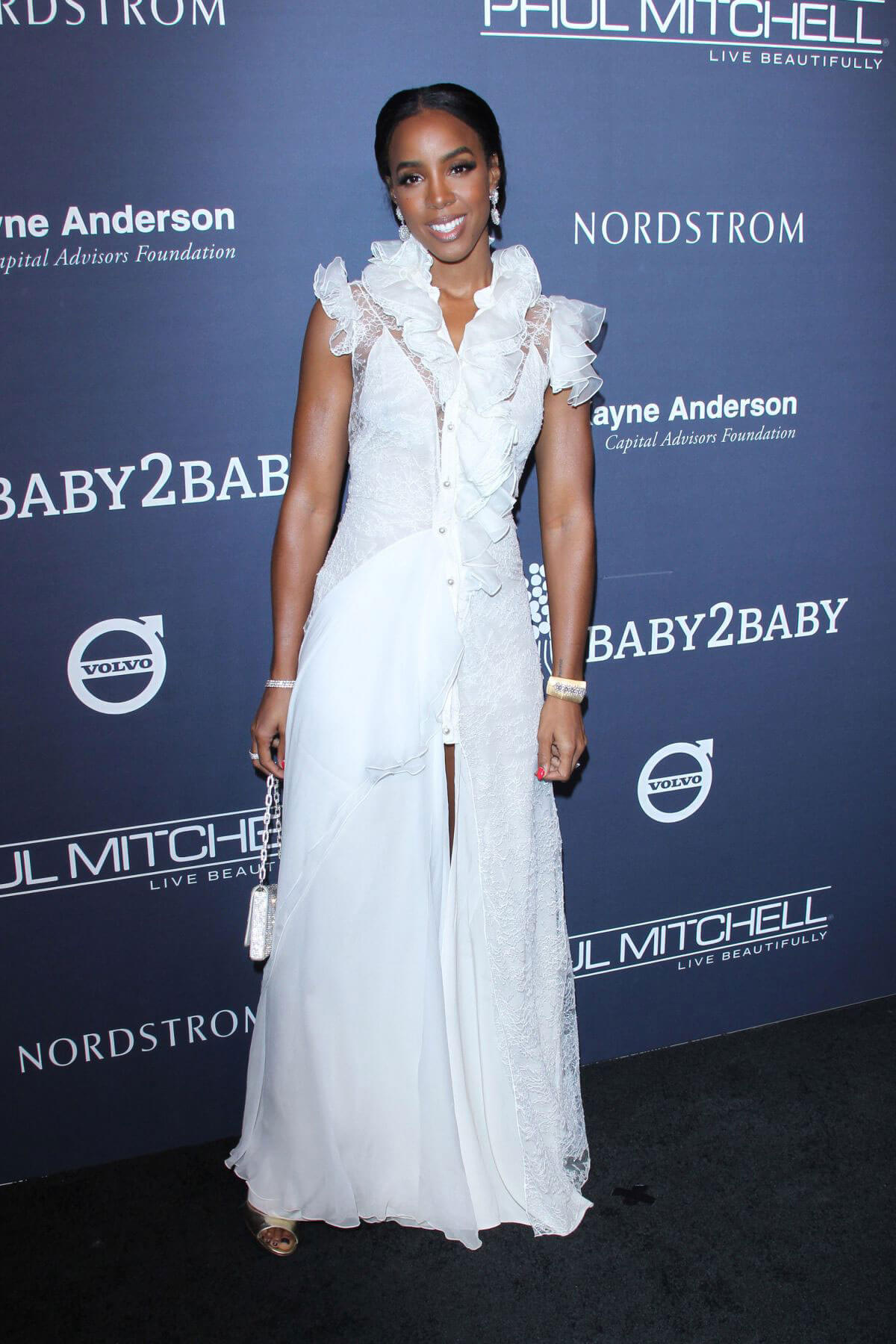 Kelly Rowland Stills at 2017 Baby2Baby Gala in Los Angeles