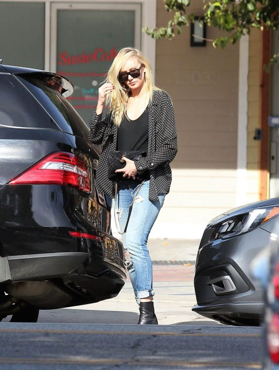Kimberly Stewart in Dotted Shirt & Jeans Out and About in Studio City