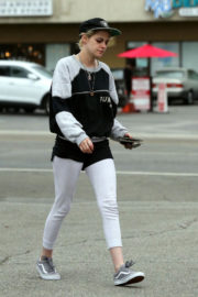 Kristen Stewart Stills Out and About in Los Angeles Images