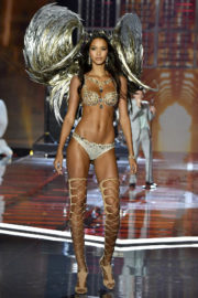 Lais Ribeiro Stills at 2017 Victoria's Secret Fashion Show in Shanghai