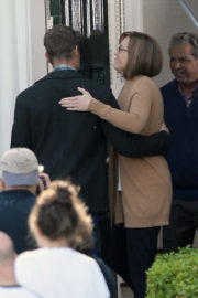 """Mandy Moore Stills on the Set of """"This Is Us"""" in Los Angeles"""