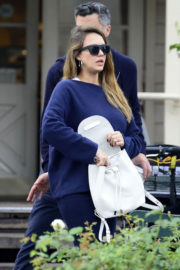 Pregnant Jessica Alba Stills Leaves Le Pain Quotidien in West Hollywood