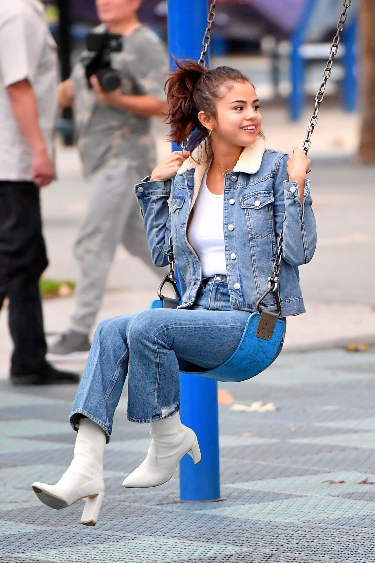 Selena Gomez Wears Denim Jacket Amp Jeans At A Park In