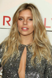 Without Bra Natasha Oakley wears beautiful Dress at #revolveawards in Hollywood