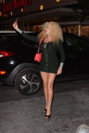Afida Turner Stills Out Shopping in Los Angeles Photos