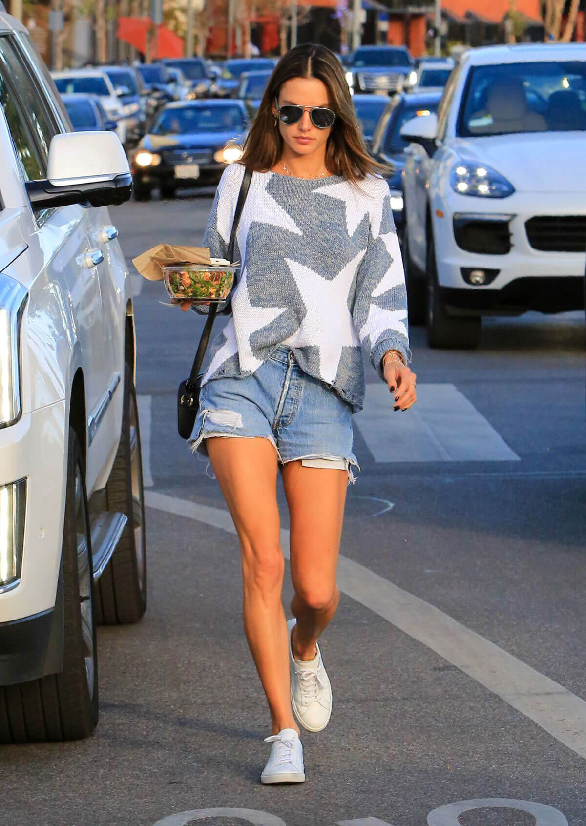Alessandra Ambrosio Stills in Cut Off Shorts Out in Los Angeles 2017/12/11