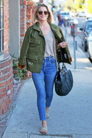 Ali Larter Stills Out Shopping in Brentwood 2017/12/12