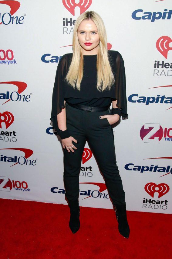 Alli Simpson Stills at Z100 Jingle Ball in New York 2017/12/08