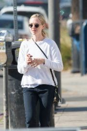Amanda Seyfried Stills Out and About in Los Angeles 2017/12/06