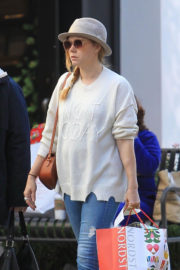 Amy Adams Stills Shopping at The Grove in Los Angeles 2017/12/21