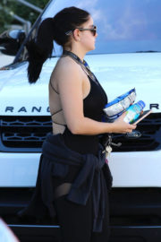 Ariel Winter Stills Out for Snack After Workout in Los Angeles 2017/12/28