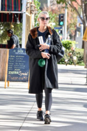Ashlee Simpson Stills Out and About in Los Angeles 2017/12/11