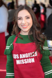 Ava Cantrell Stills at LA Mission Serves Christmas to the Homeless in Los Angeles 2017/12/22