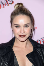 Becca Tobin Stills at Refinery29 29Rooms Los Angeles: Turn It Into Art Opening Party 2017/12/06