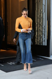 Bella Hadid Stills Leaves Her Apartment in New York Images