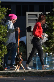 Bella Thorne and Mod Sun Stills Out in Los Angeles 2017/12/08