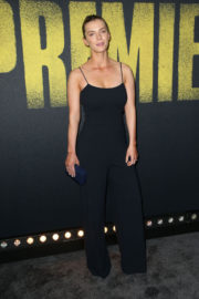 Betty Gilpin Stills at Pitch Perfect 3 Premiere in Los Angeles 2017/12/12