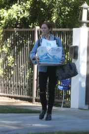 Brittany Snow Stills Leaves Her Home in Los Angeles 2017/12/12