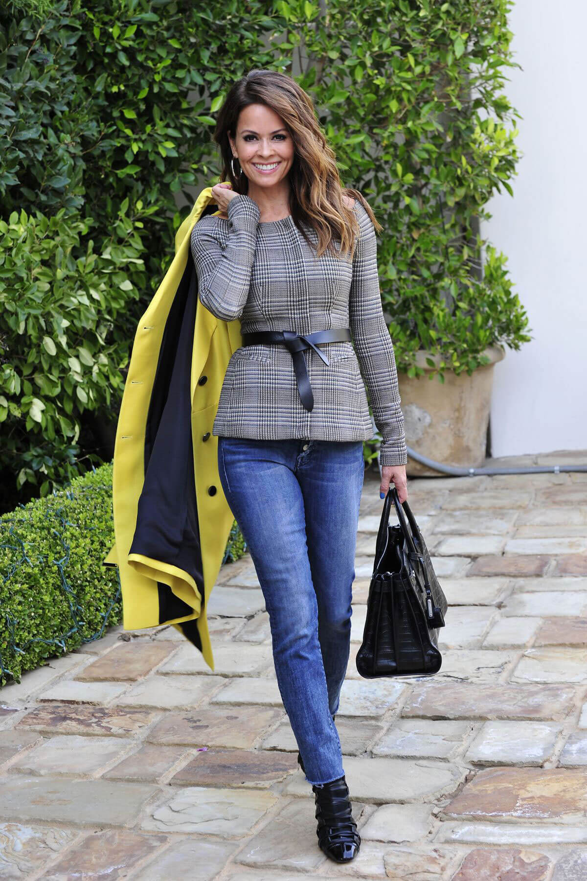 Brooke Burke Stills Out and About in Los Angeles 2017/12/21