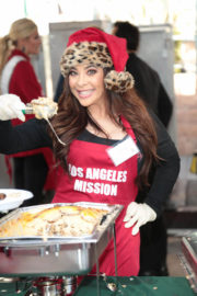 Brooke Lewis Stills at LA Mission Serves Christmas to the Homeless in Los Angeles 2017/12/22