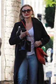 Cameron Diaz Stills Shopping for Christmas Jewelry in Beverly Hills 2017/12/21