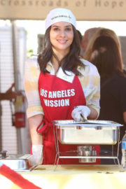Camila Banus Stills at Los Angeles Mission Thanksgiving Meal for the Homeless in Los Angeles