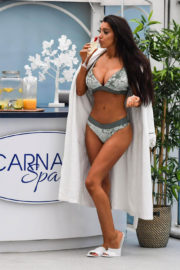 Chloe Khan Stills in Bikini at Carnatic Spa in Liverpool 2017/12/19