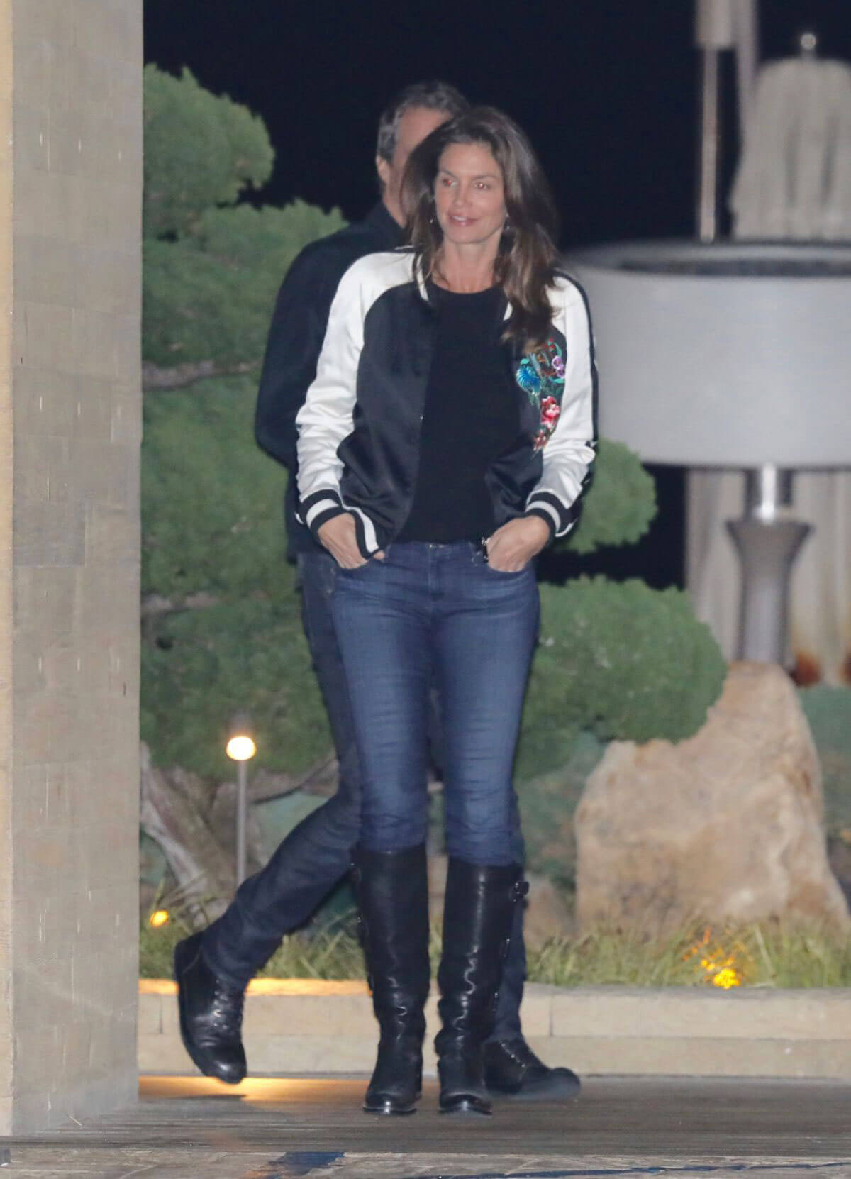 Cindy Crawford and Rande Gerber Stills Out for Dinner at Nobu in Malibu 2017/12/26