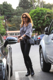 Cindy Crawford Stills at Pinz Bowling in Studio City in Los Angeles 2017/12/10