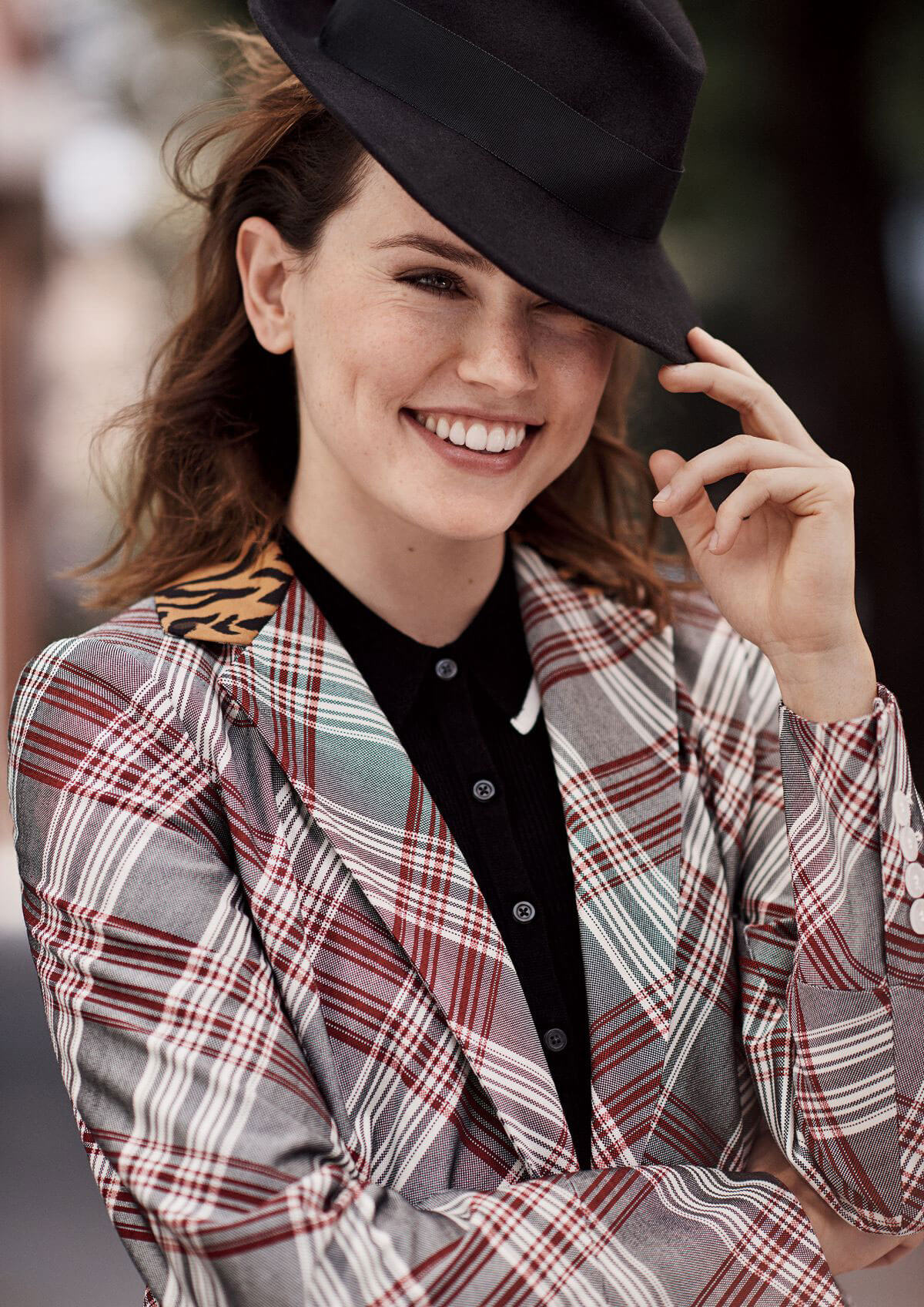 Daisy Ridley Stills in Glamour Magazine, January 2018 Issue