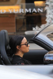 Demi Lovato Stills Driving Out in Her Mercedes Coupe Out in Beverly Hills 2017/12/24