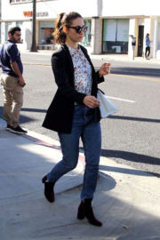 Emmy Rossum Stills Out for Lunch at Le Pain Quotidien 2017/12/05