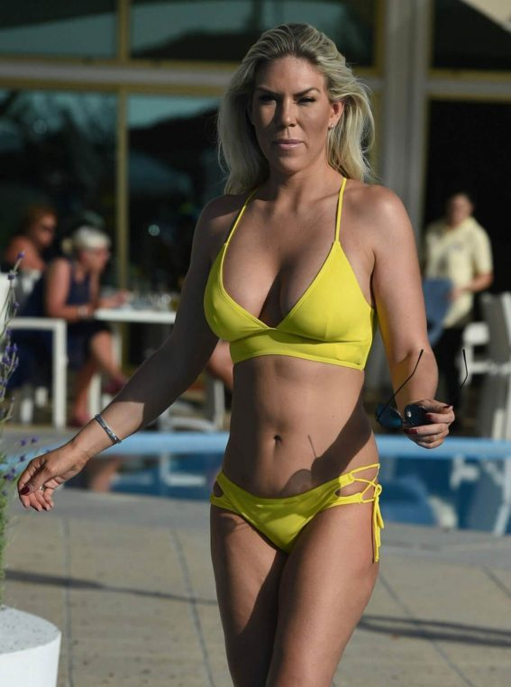 Frankie Essex Stills in Bikini at a Pool in Cape Verde 2017/12/16