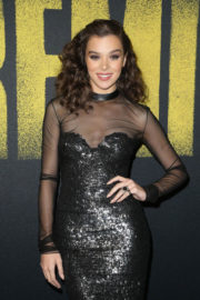 Hailee Steinfeld Stills at Pitch Perfect 3 Premiere in Hollywood 2017/12/12