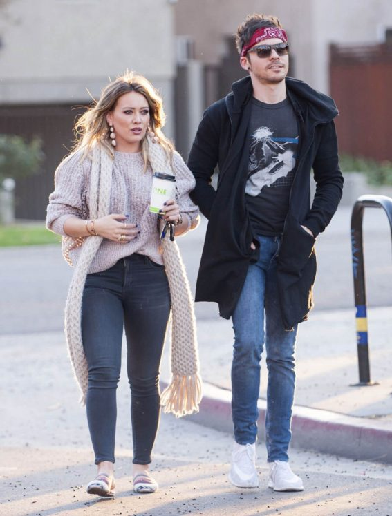 Hilary Duff and Matthew Koma Stills Out for Coffee in Studio City 2017/12/05
