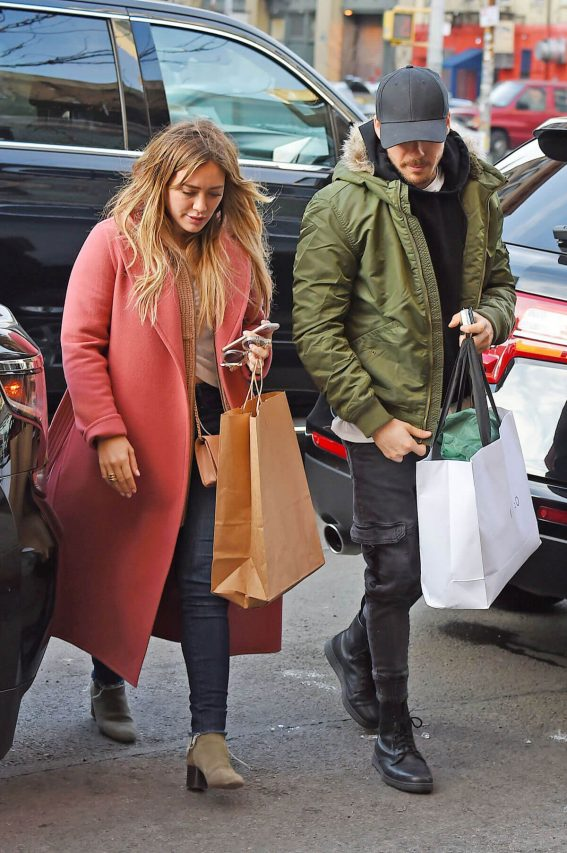Hilary Duff and Matthew Koma Stills Out Shopping in New York 2017/12/19