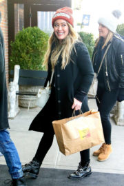 Hilary Duff Stills Arrives at Her Hotel in New York 2017/12/20