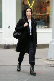 Jaimie Alexander Stills Out for Lunch at Shuka in New York 2017/12/03
