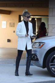 January Jones Stills Out and About in Los Angeles 2017/12/09
