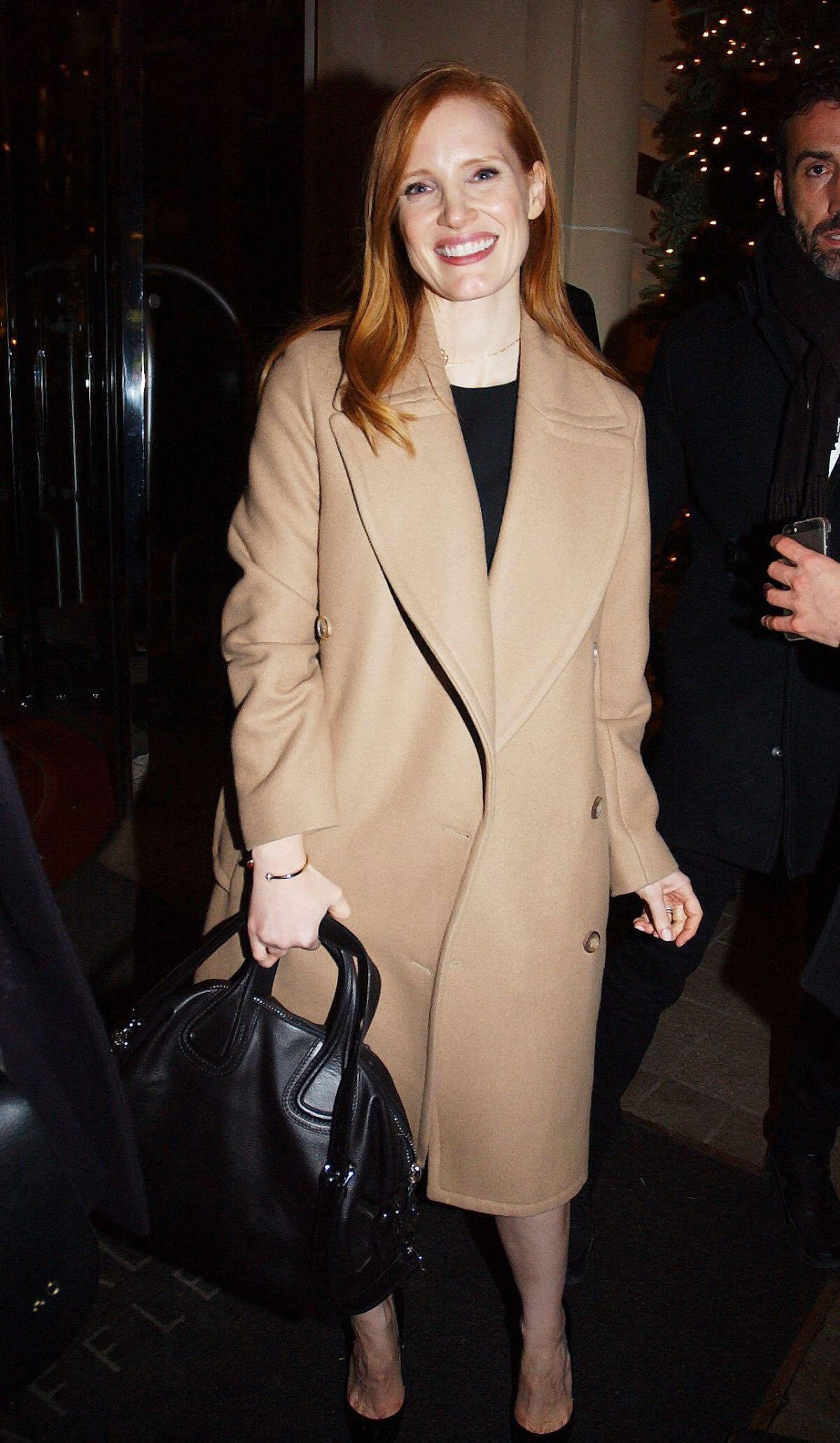 Jessica Chastain Stills Leaves Royal Monceau Hotel in Paris 2017/12/11