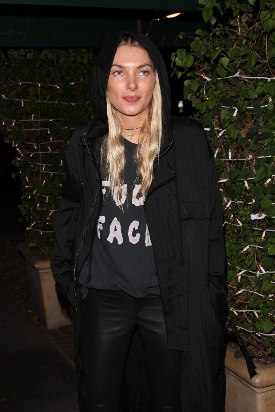 Jessica Hart Stills Out for Dinner at Madeo in West Hollywood 2017/12/20