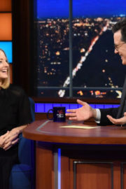 Jodie Foster Stills at Late Show with Stephen Colbert 2017/12/15