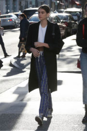 Kaia Gerber Stills Out Shopping in Beverly Hills 2017/12/21