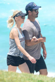 Kate Kendall and Andrew Johns Stills Out at Bondi Beach 2017/12/27
